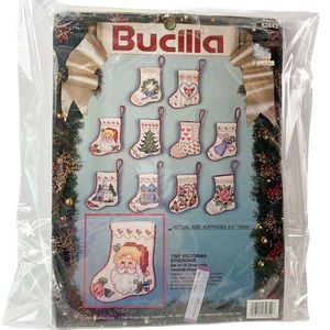 VTG Bucilla 82842 Tiny Victorian Stockings kit